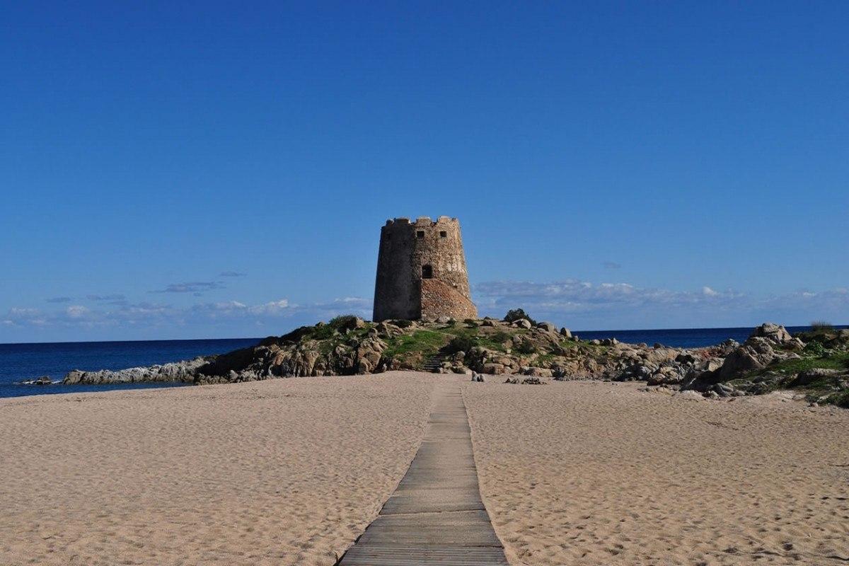 Matrimonio Spiaggia Alghero : Matrimonio in sardegna sulla spiaggia hotel la torre
